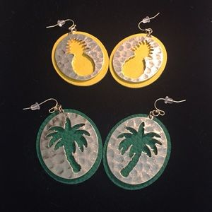 PINEAPPLE AND PALM TREES PIERCED EARRINGS